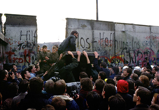 Crowd of people at the Berlin Wall